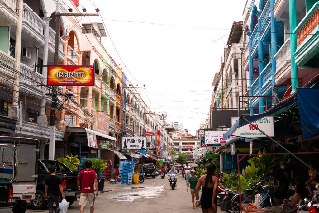 パタヤの街角。