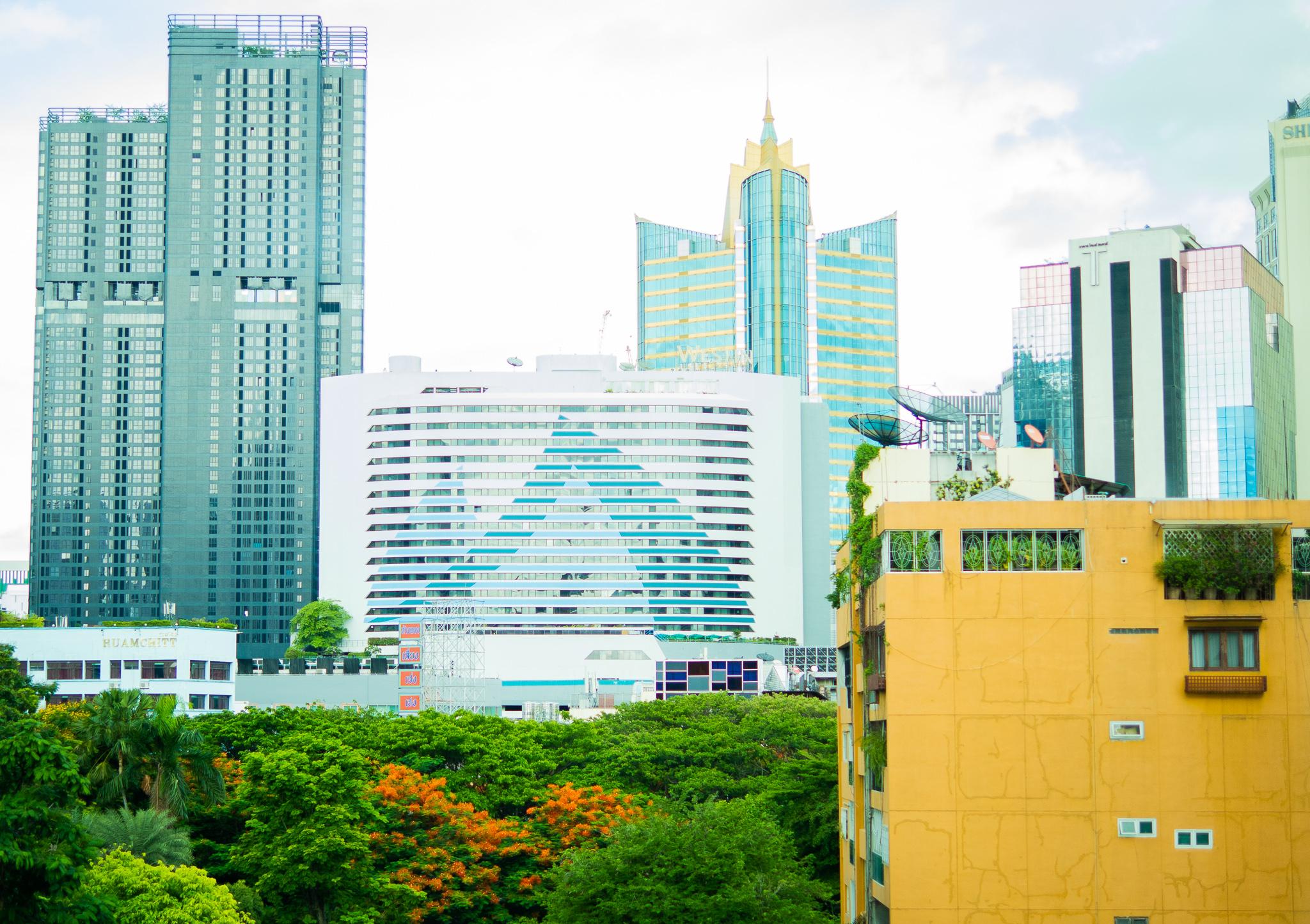 バンコク・ホテルの部屋から見えた光景