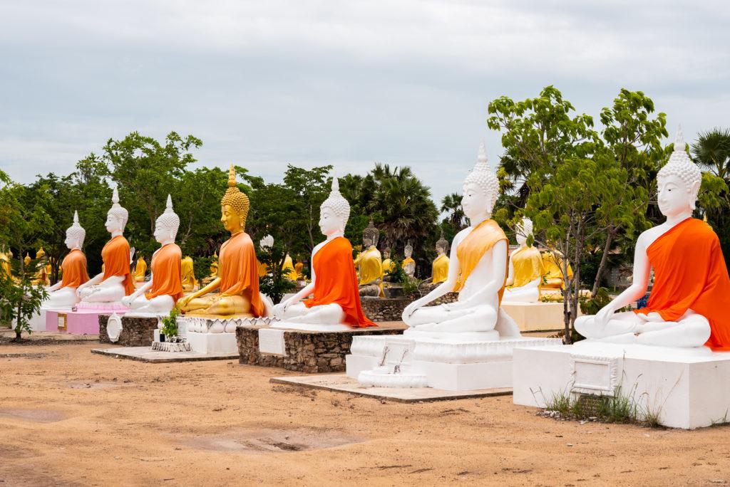 いろんな仏像があります。