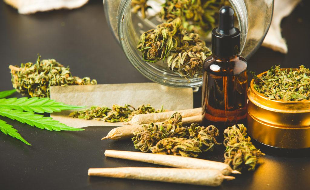 どうして芸能人は大麻で逮捕されるのか?